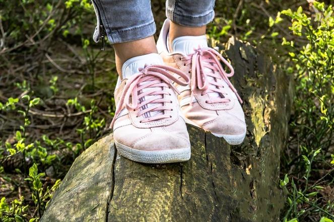 shoes-2216498_1280